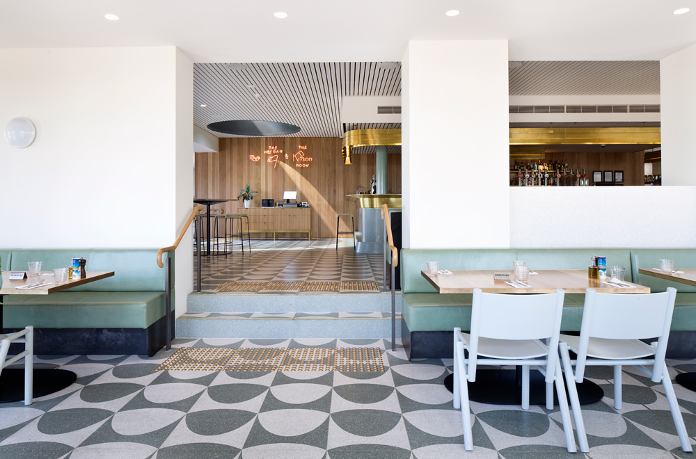 main dining hall fit out